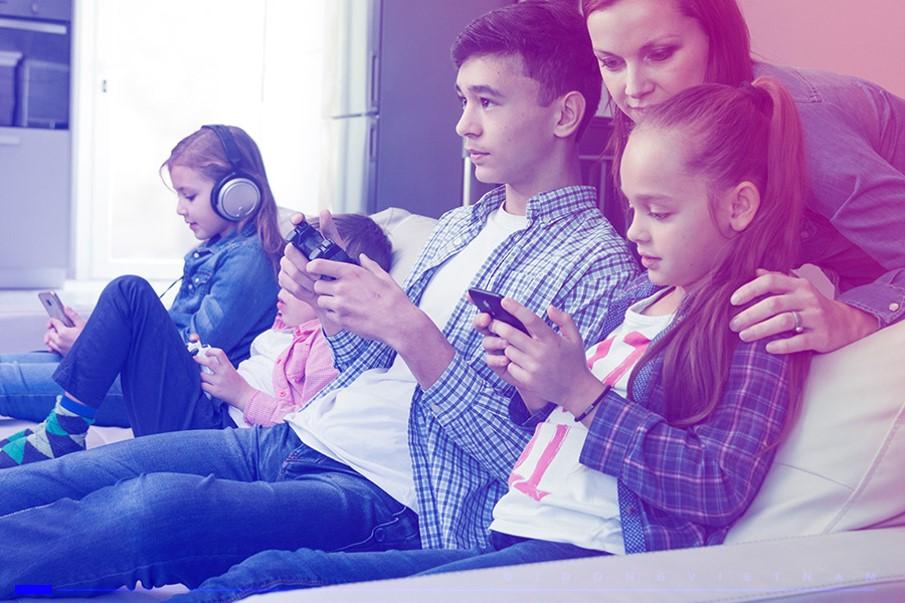 Người dùng di động tăng nhanh về số lượng và trẻ hóa độ tuổi